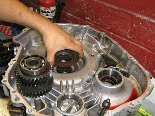 The Counter Drive Gear Is Last Of Gears To Be Removed Up Until Now All Bearings Had Been Needle Roller Or Bushings