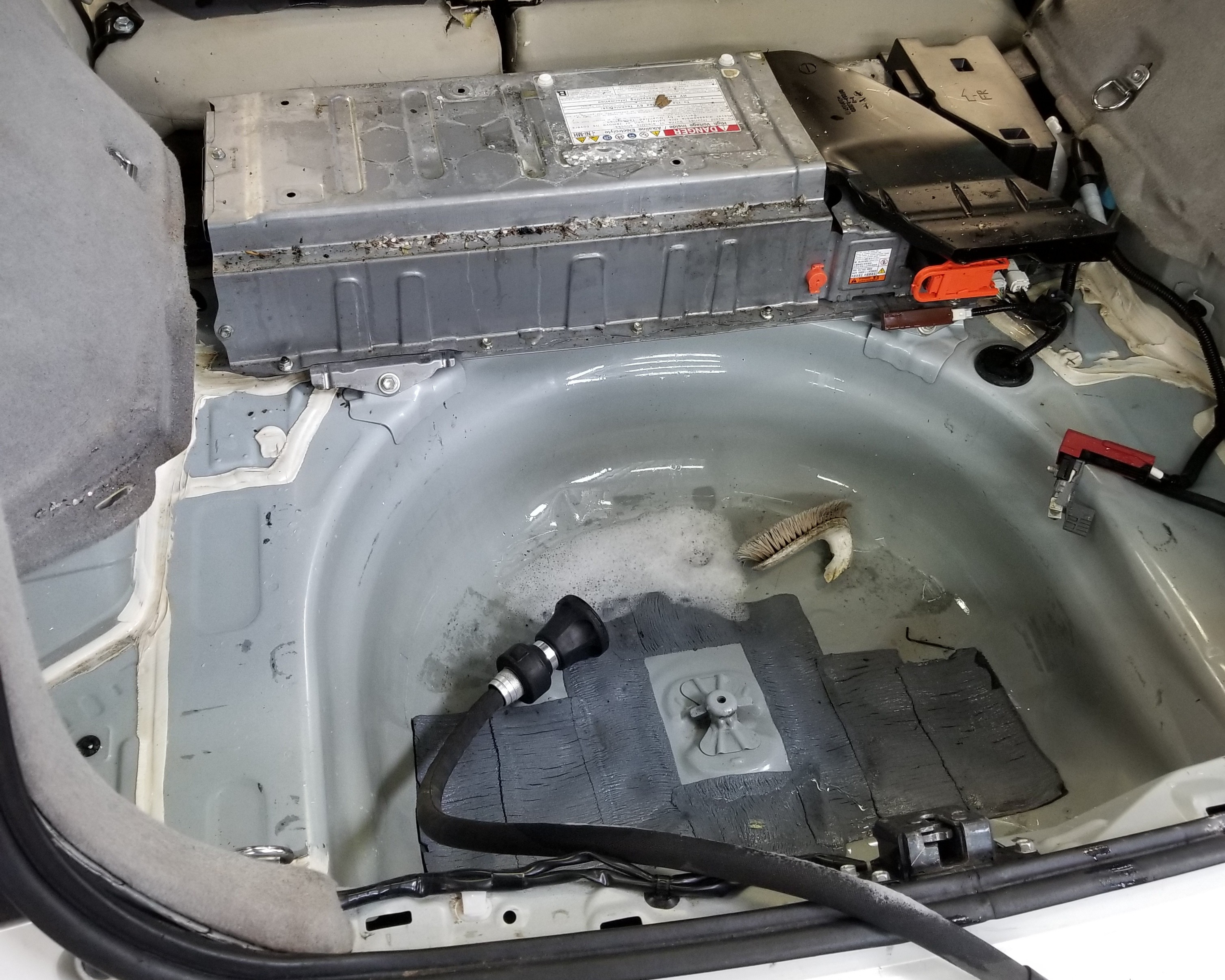 Prius high voltage battery covered with mouse droppings