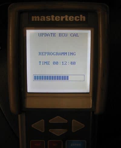 MasterTech scantool screen showing reflashing progress