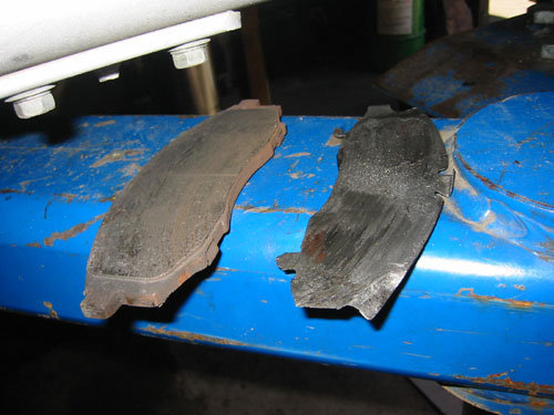 brake pads with friction material worn off completely