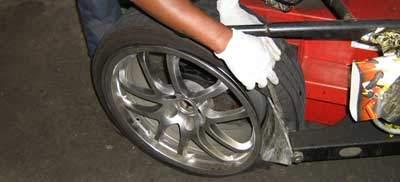 breaking bead on tire/wheel