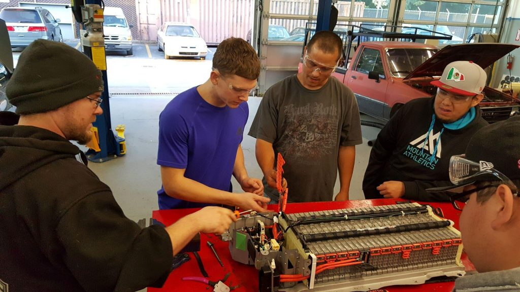 Students in Paul's hybrid repair class at Contra Costa College