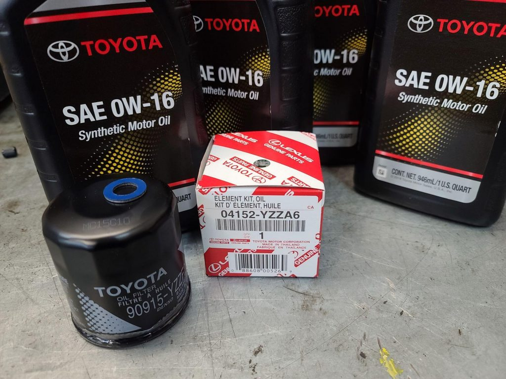 Genuine Toyota 0w16 motor oil and oil filters