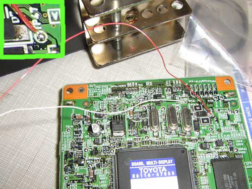 """""""green-wire"""" bypass for testing on Prius multi display"""